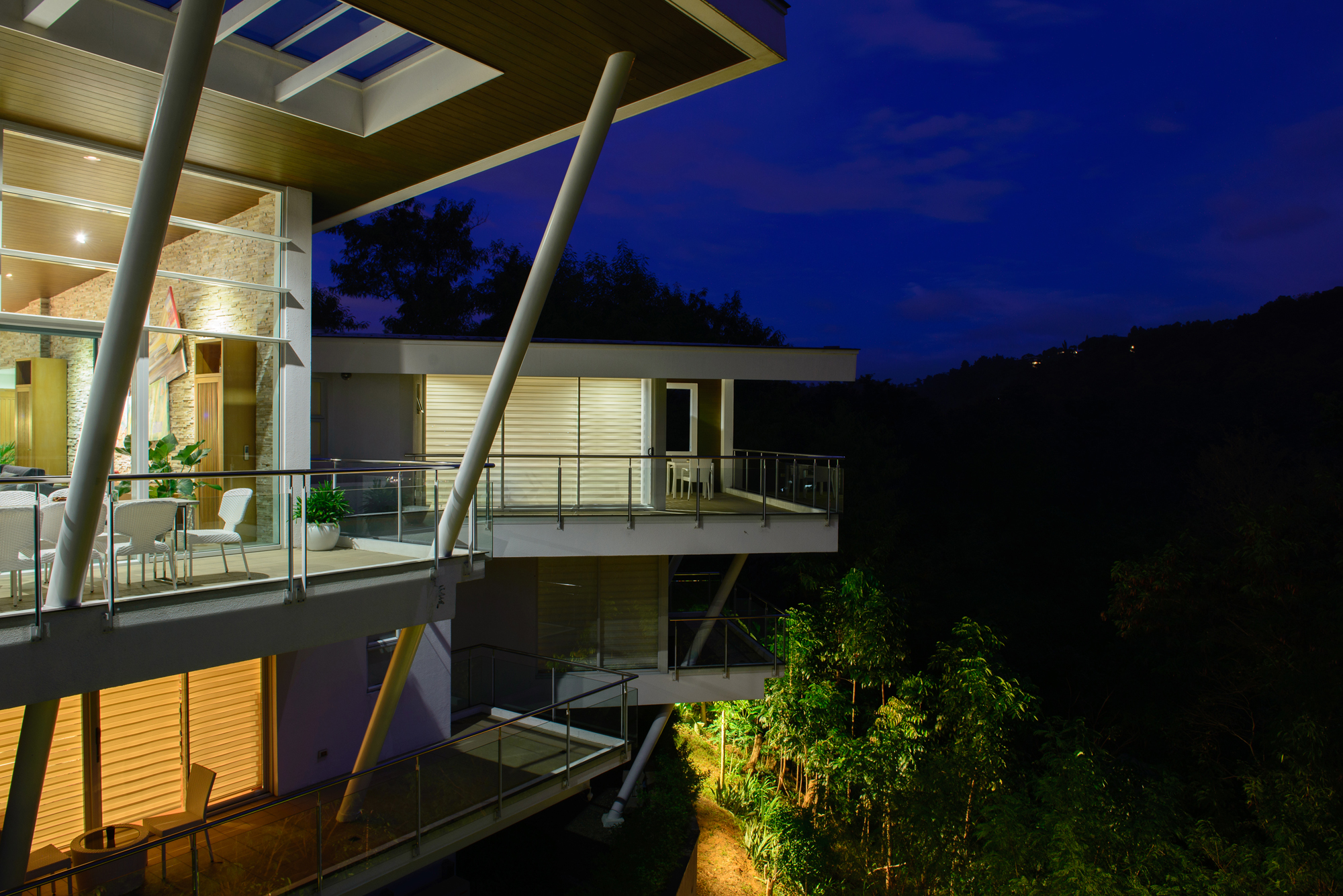 Cliff residence (12)