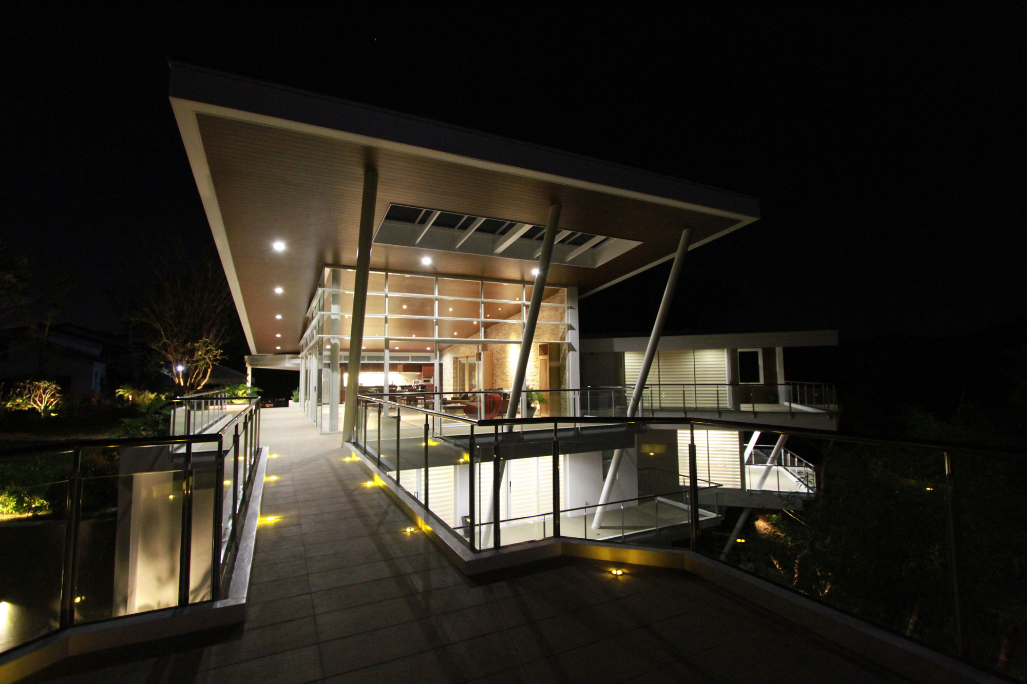 Cliff residence (14)
