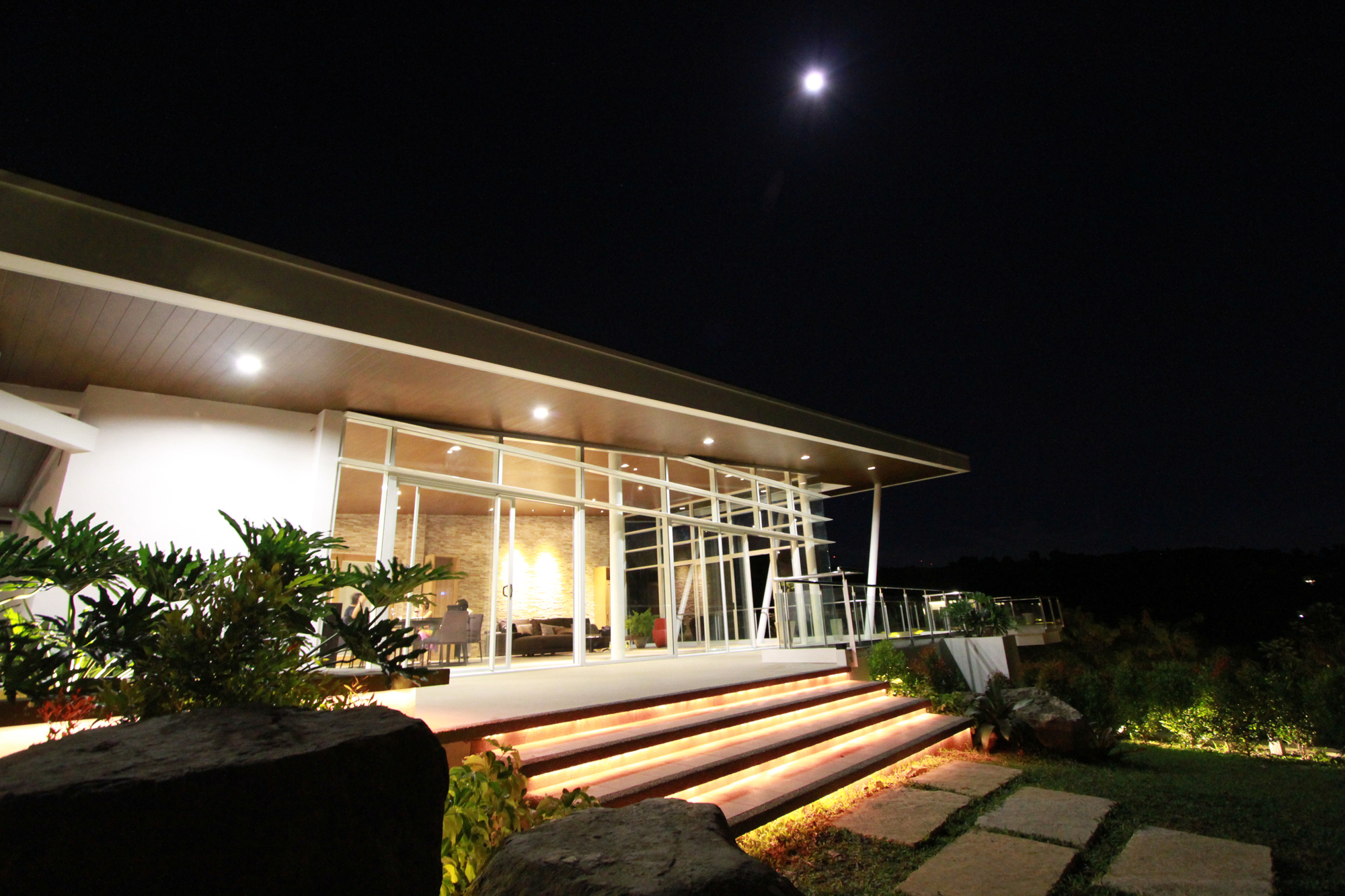 Cliff residence (15)